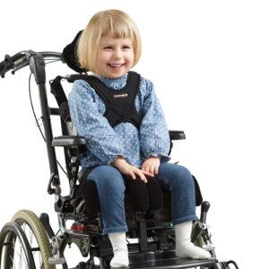 Zitzi Delfi Pro er et siddesystem barnet kan vokse i. Siddesystemet er multi justerbar for at give den rette støtte, hvor brugeren har brug for denne.