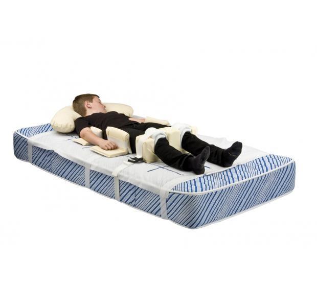 Symmetrisleep with model-incl kneebrace